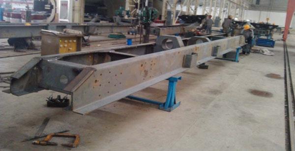 12.5米610L~700L高强度板 军用特种车纵梁总成