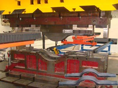 3200T车桥半壳热压成型模具